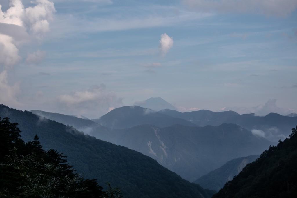 大門沢小屋 テント場からの風景