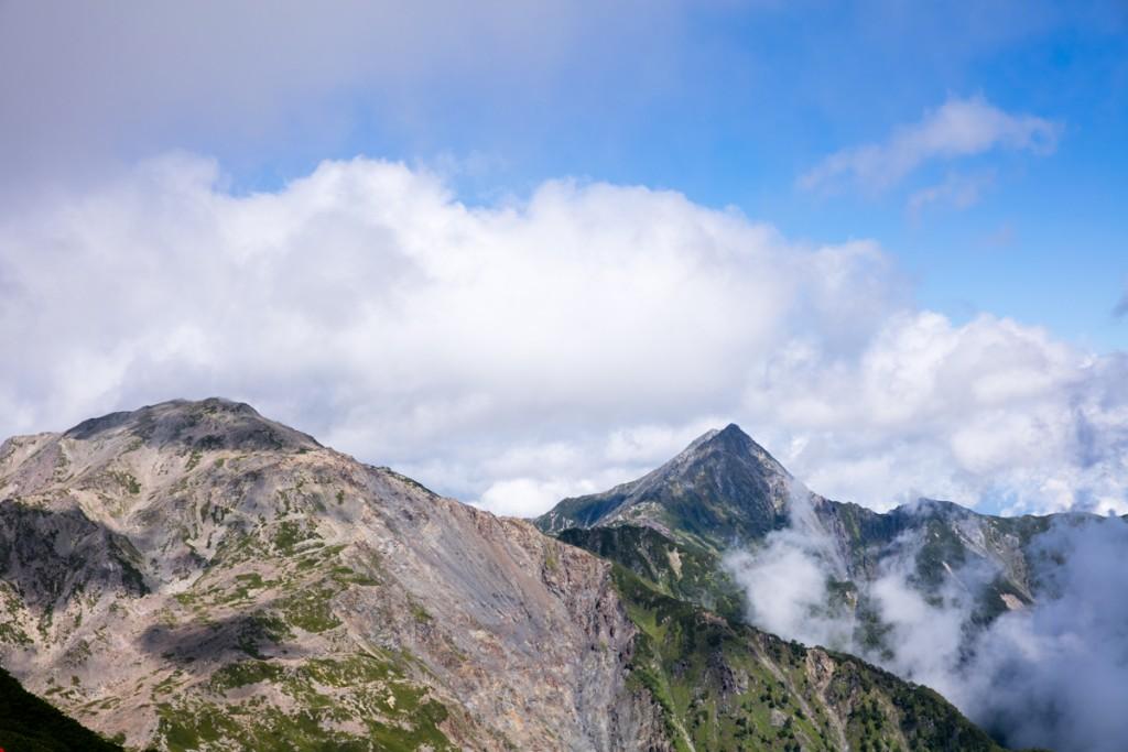 農鳥岳からの間ノ岳・北岳