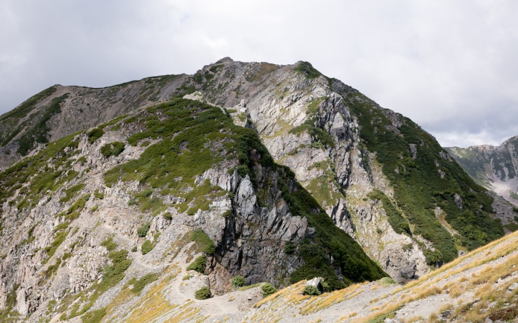 間ノ岳への稜線