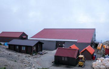 北岳山荘 外観