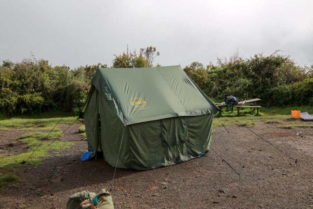 キリマンジャロ登山 ZARA tours テント