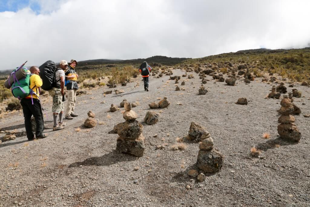 キリマンジャロ登山 ロンガイルート 奇岩群