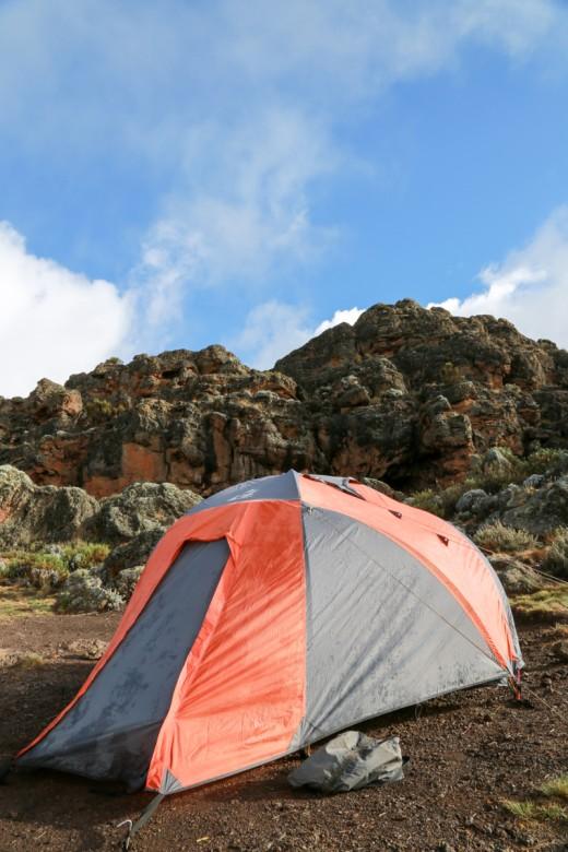 キリマンジャロ登山 ロンガイルート Third cave camp テント