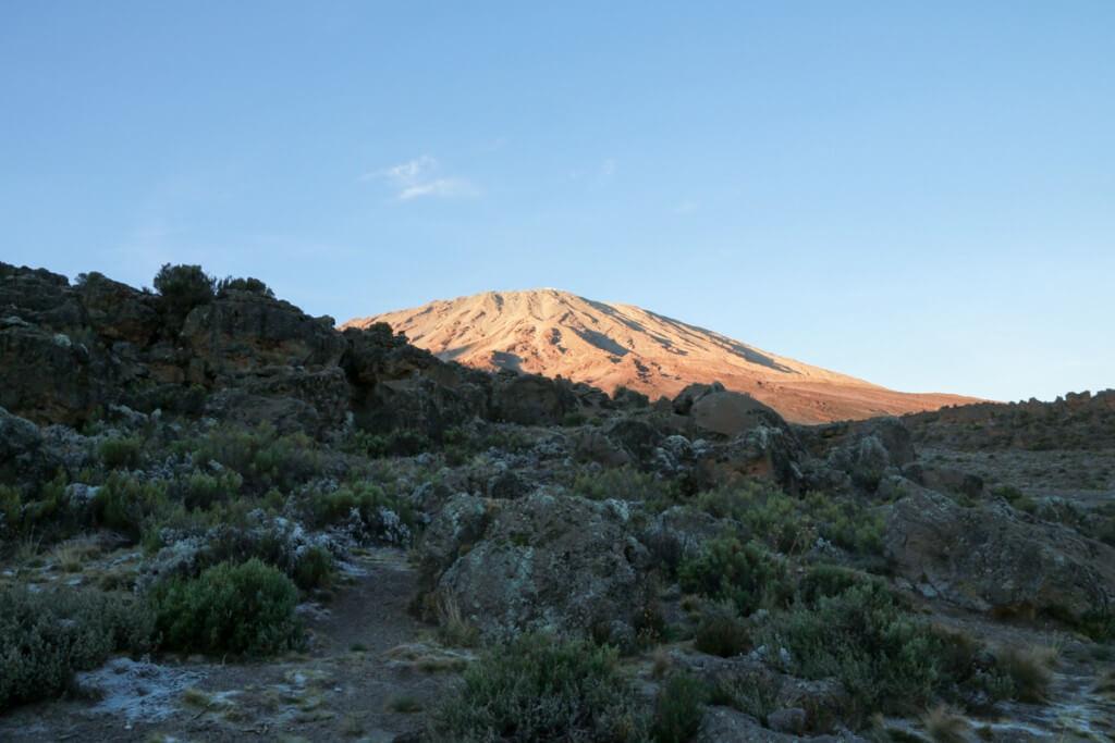 キリマンジャロ登山 ロンガイルート Third cave campから眺めるキリマンジャロ
