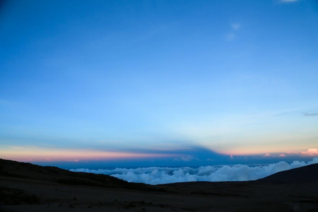キリマンジャロ登山 キボハットからの夕日2