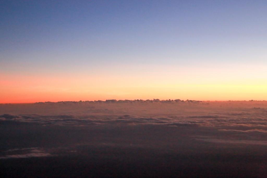 キリマンジャロからの日の出直前3