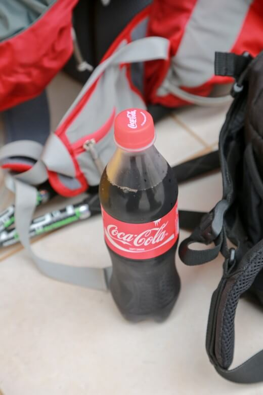 キリマンジャロ登山後のコカ・コーラ