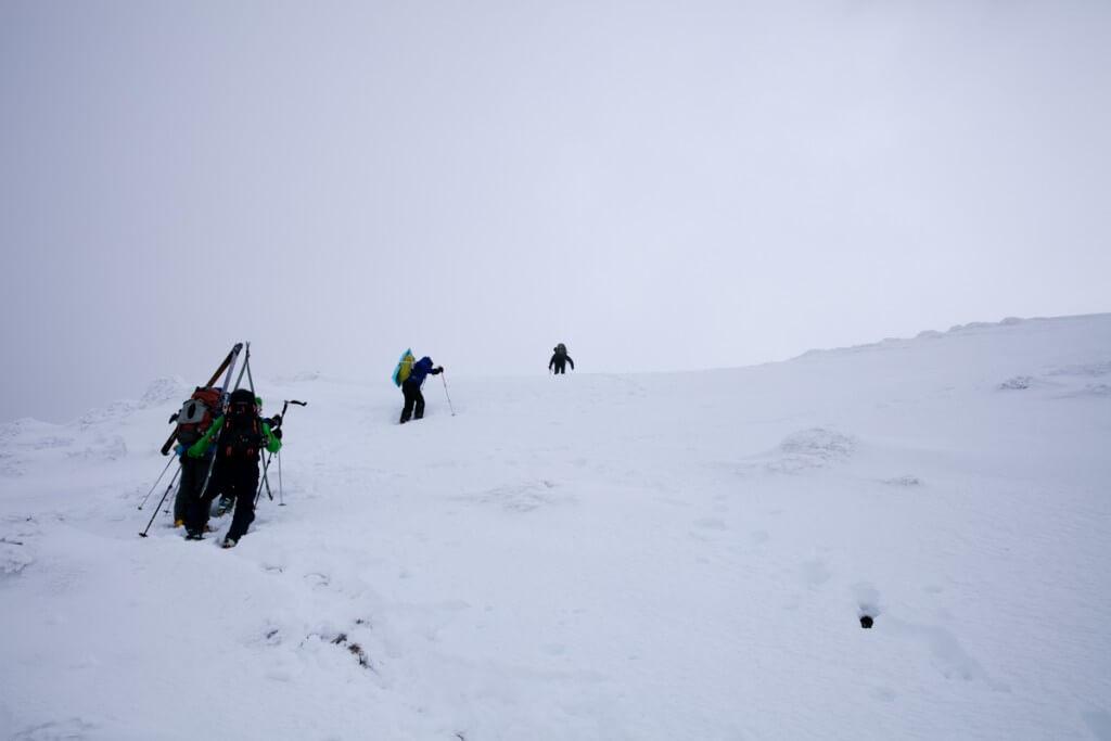 冬の伊吹山 下山開始