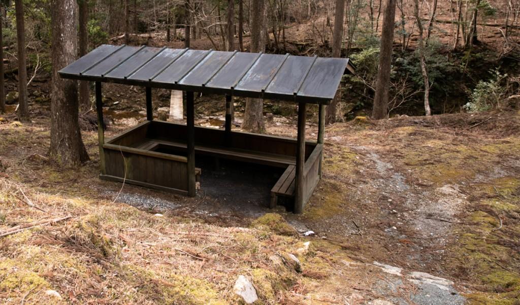 愛知県民の森 休憩所2