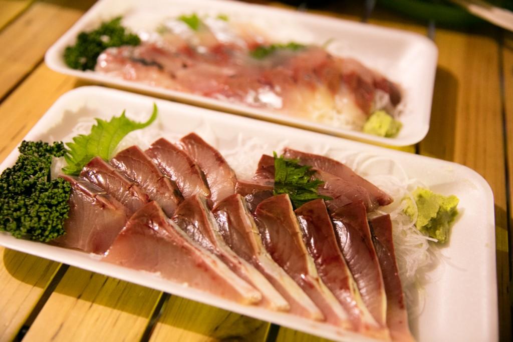 志摩オートキャンプ場で魚を食べる