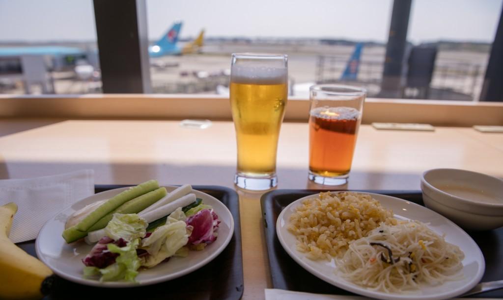 成田空港デルタ航空ラウンジ デルタスカイクラブで一息
