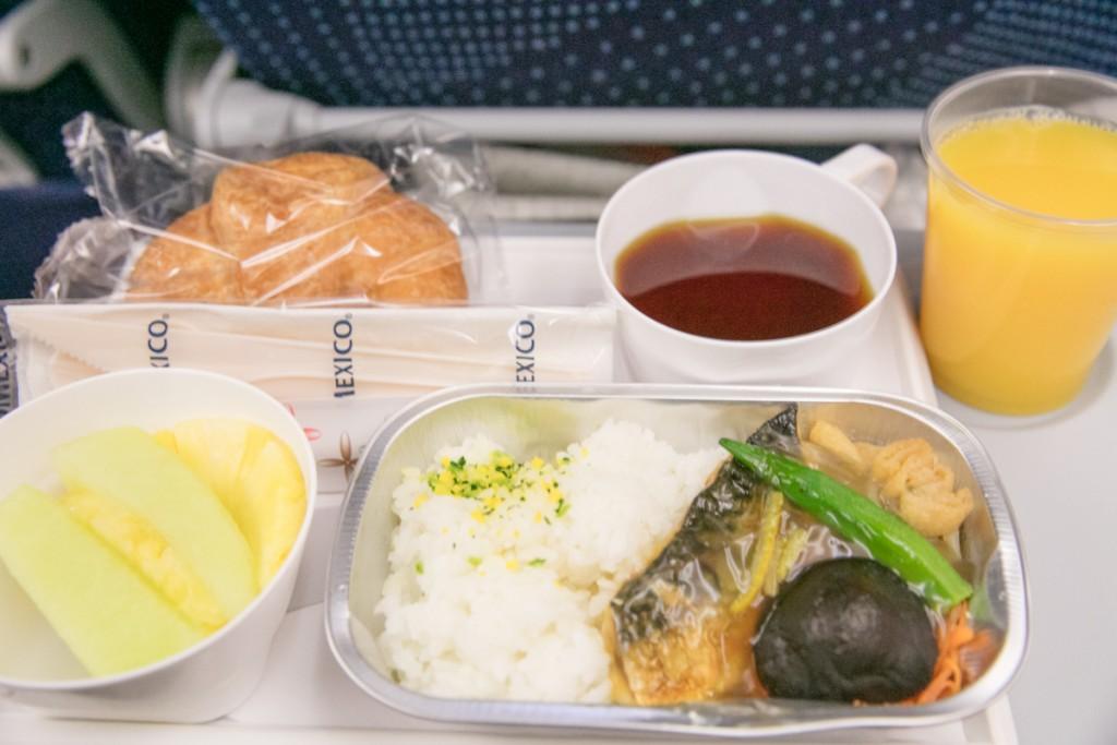 アエロメヒコ航空AM057便 朝食