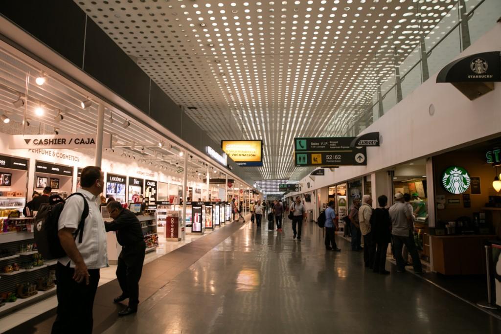 メキシコシティ国際空港 ターミナル2