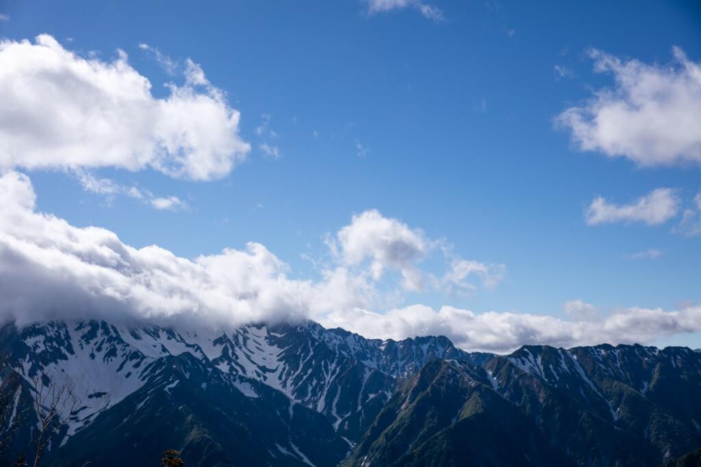 蝶ヶ岳頂上からの槍穂1