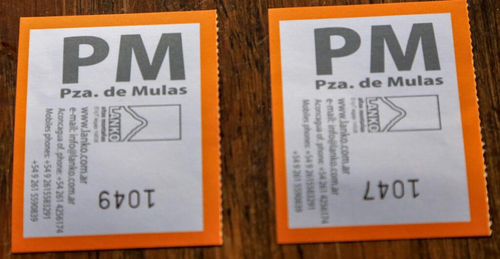 プラザ・デ・ムーラスへの荷物搬送券