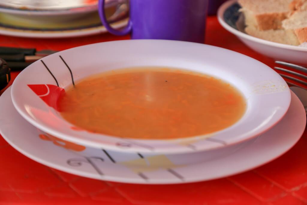 アコンカグア登山ベースキャンプ プラザ・デ・ムーラスのスープ