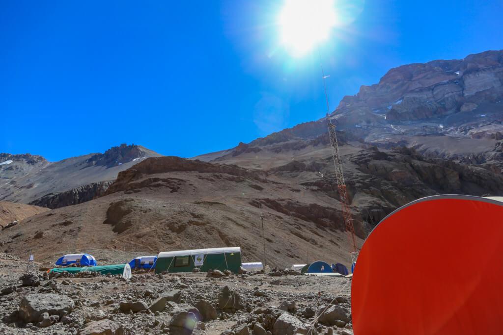 アコンカグア登山ベースキャンプ プラザ・デ・ムーラスを出発