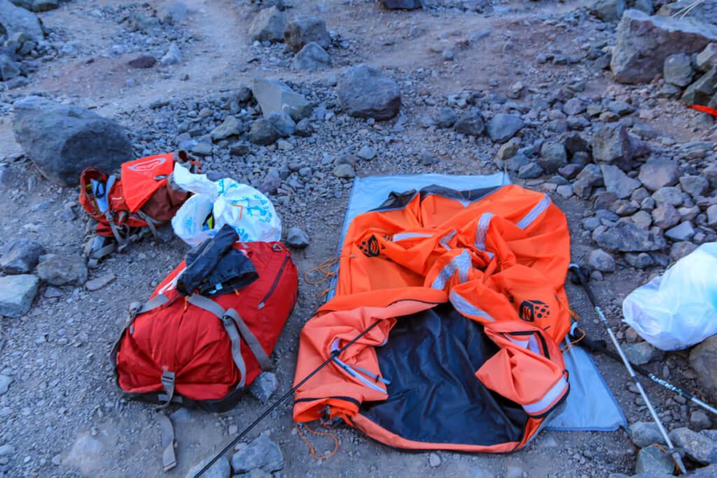 アコンカグア登山ベースキャンプ プラザ・デ・ムーラスでテント撤収