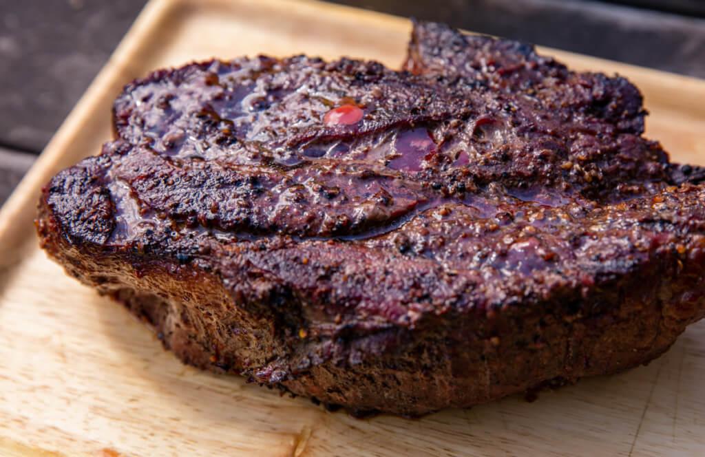 焼き上がったお肉