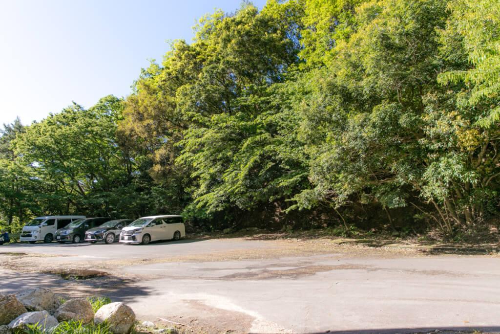 御在所岳 裏道登山口駐車場