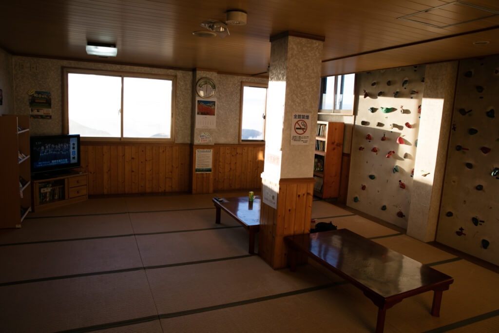 槍ヶ岳山荘 談話室