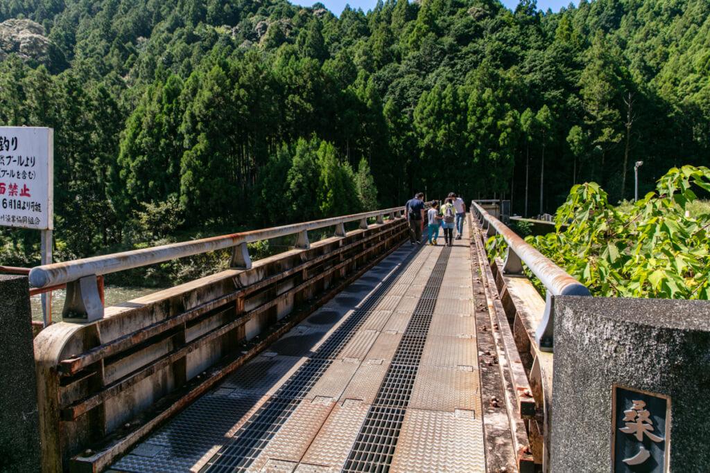 和歌山県新宮市 桑ノ木の滝 入口の橋