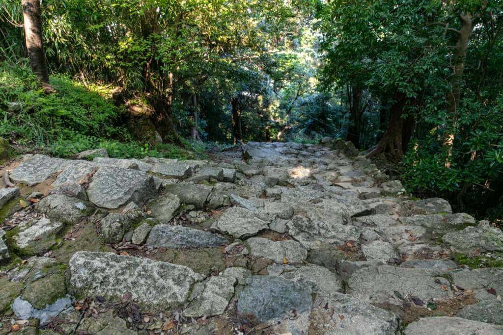 和歌山県新宮市 神倉神社 538段の石段 下り