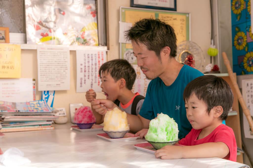 和歌山最強のかき氷屋「仲氷店」 信号機のかき氷