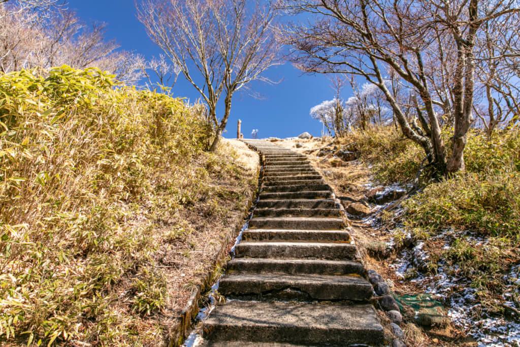 御在所岳 山頂手前の階段
