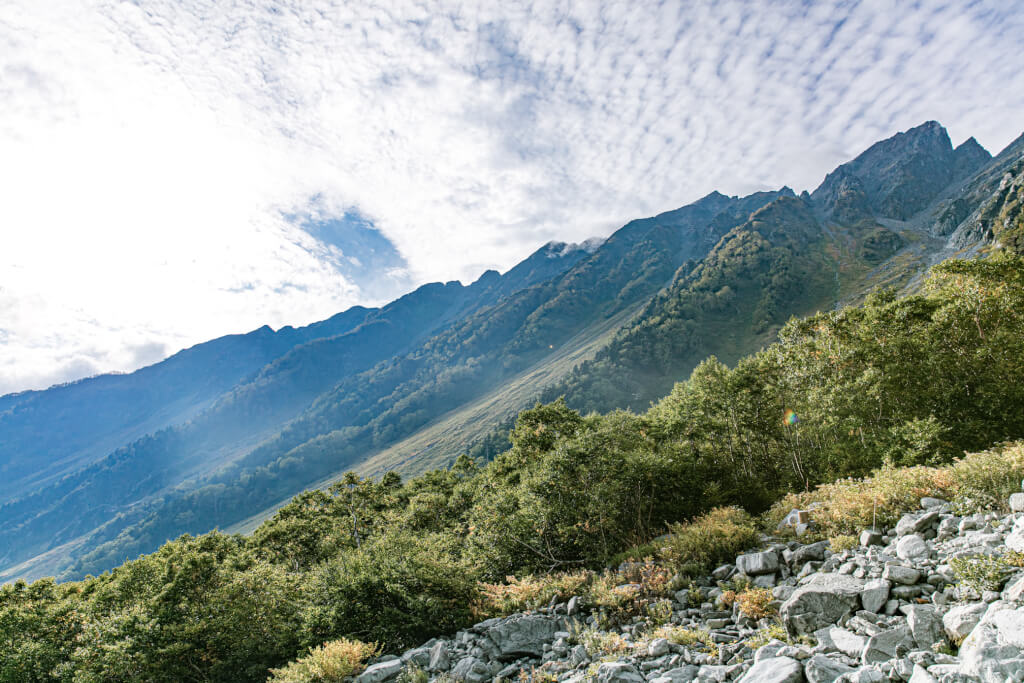 岳沢から見る西穂高岳