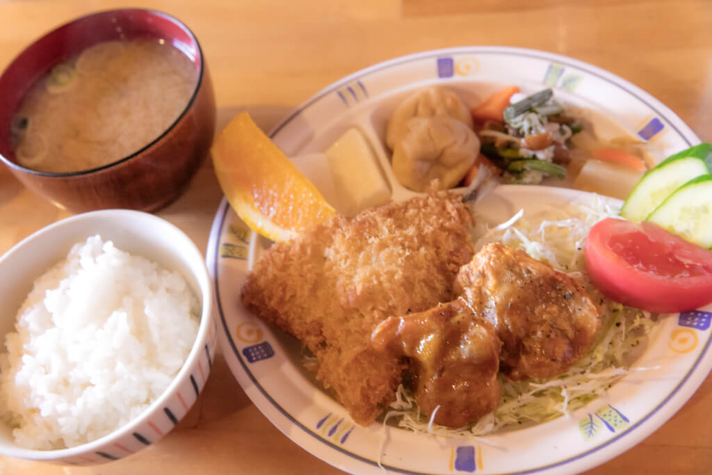 岳沢小屋 夕食
