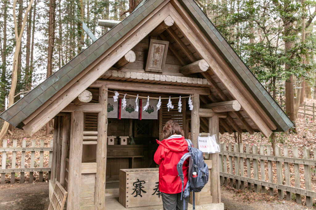宝登山神社 奥宮で参拝