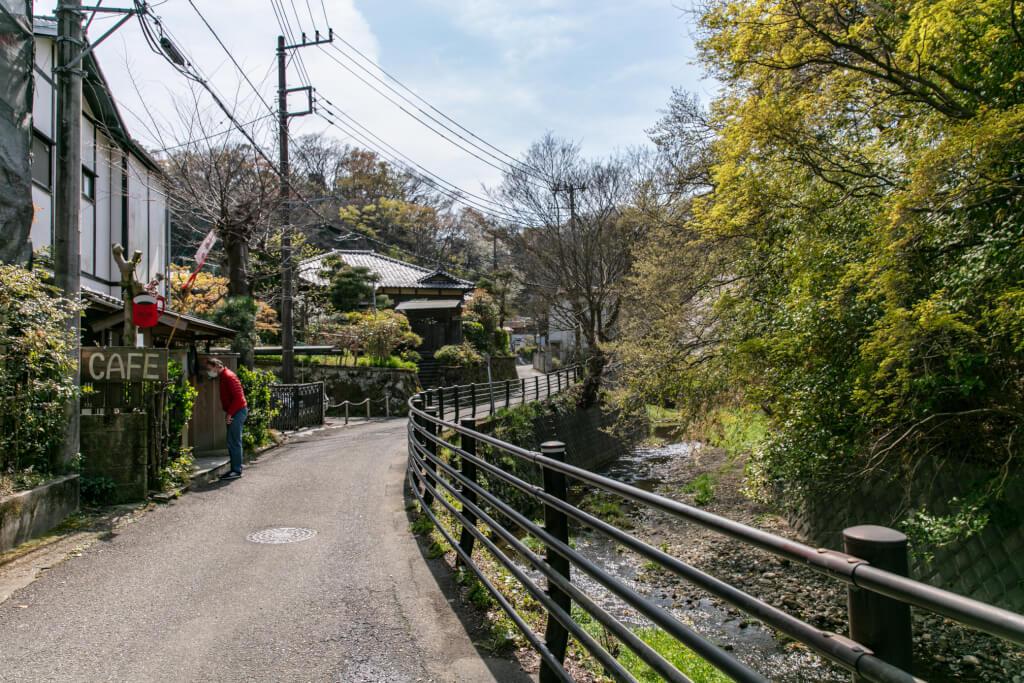 鎌倉ハイキング 衣張山 下山口付近のカフェ