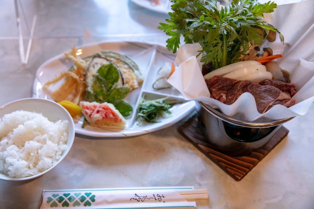 八ヶ岳 オーレン小屋 夕食 桜鍋