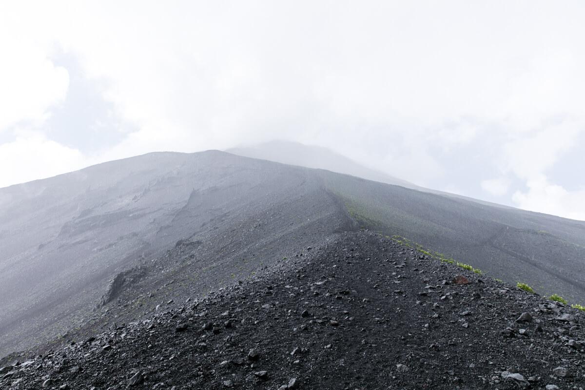 富士山 宝永山 〜 御殿場ルートへの合流地点