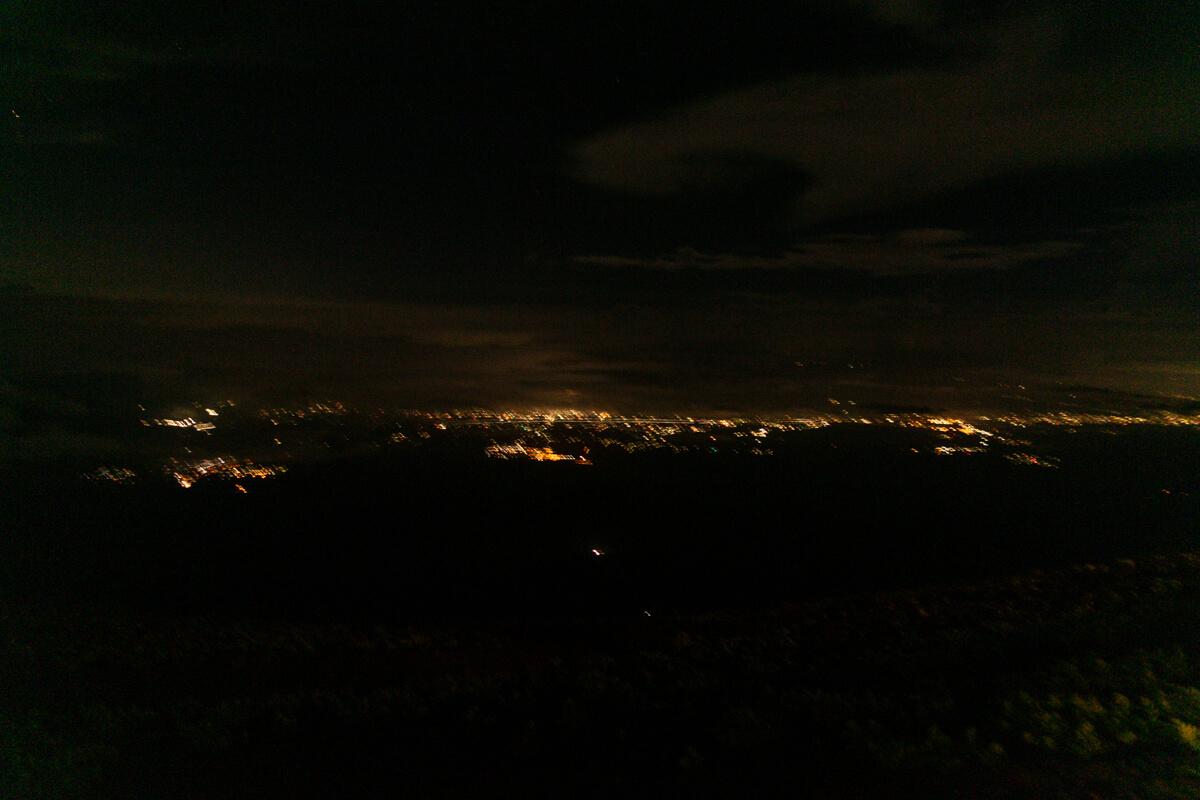 富士山 御殿場ルート 七合四勺 わらじ館からの夜景