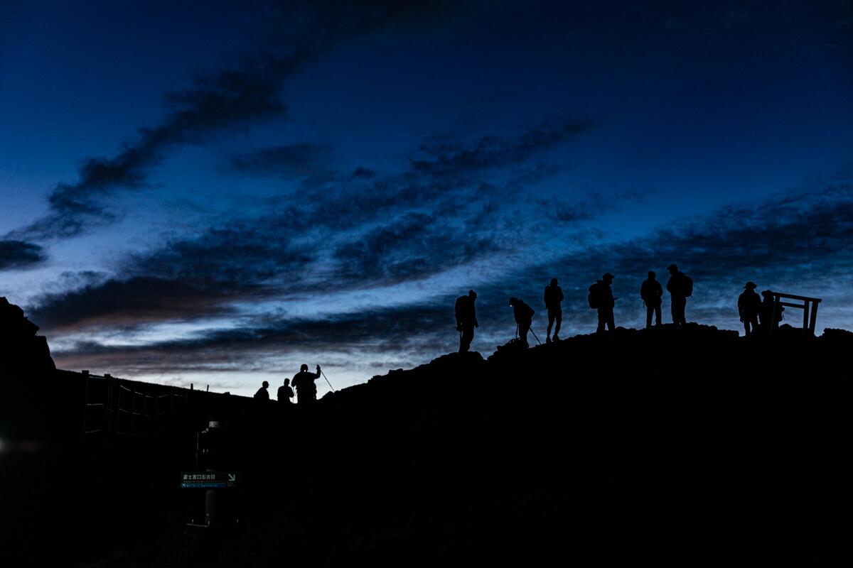 富士山富士宮口 山頂 日の出前